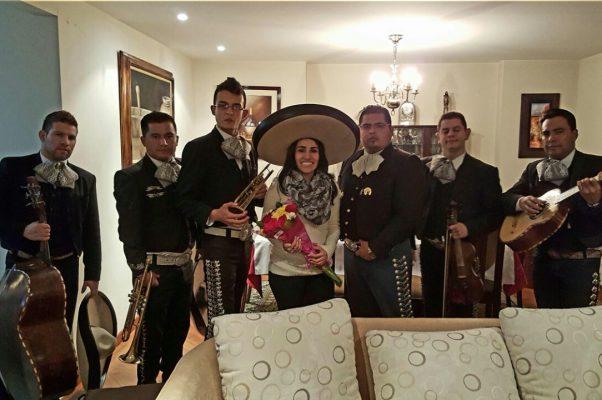 Mariachi Vargas de Bogota: Mariachis Bogota, Serenatas